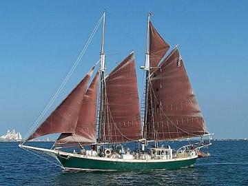 Schooner Inland Seas_1